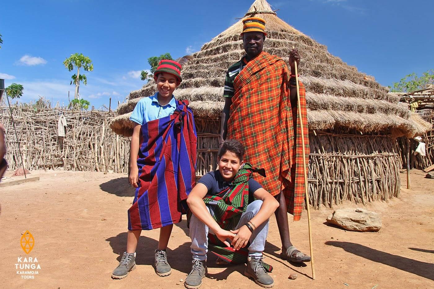 Community tour with Kara-Tunga