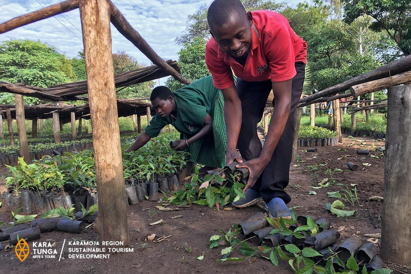 Treeplanting with Kara-Tunga
